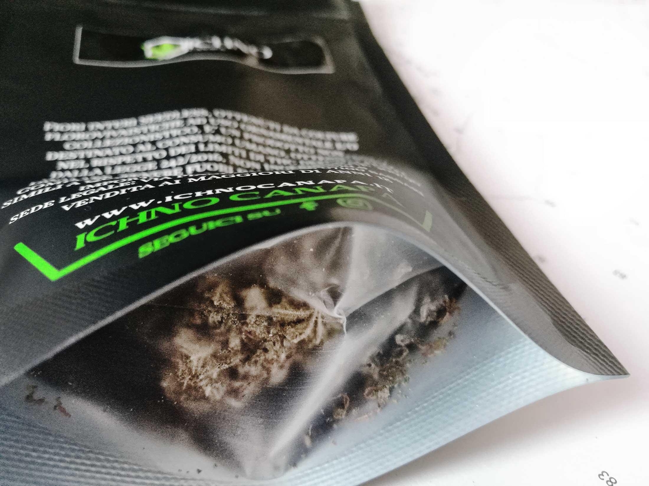 ichno-canapa-erba-legale-light-cannabis-thc-cdb-compra-acquista-negozio-confezione-shop-2200x1650